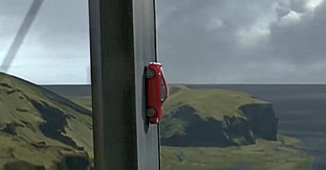 Audi TT vom Weltall auf die Schanze
