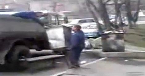 Müllmänner in Russland