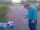 betrunkener Russe Helmtest