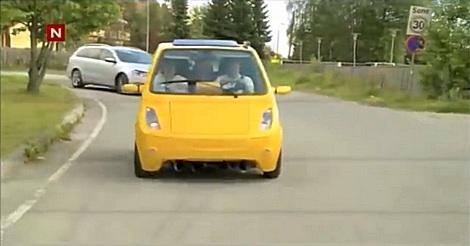 Zug-Horn im Auto