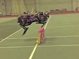 Roboter springt über hindernisse
