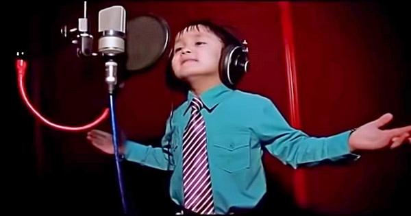 4 jähriger singt