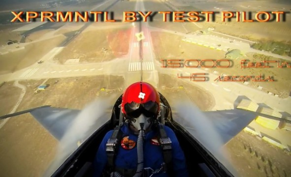 Kampfjet steigt 15000 Fuß in 45 Sekunden
