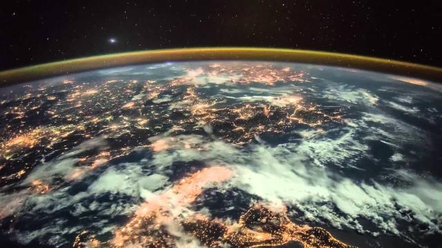 ISS filmt Aufgang der Planeten