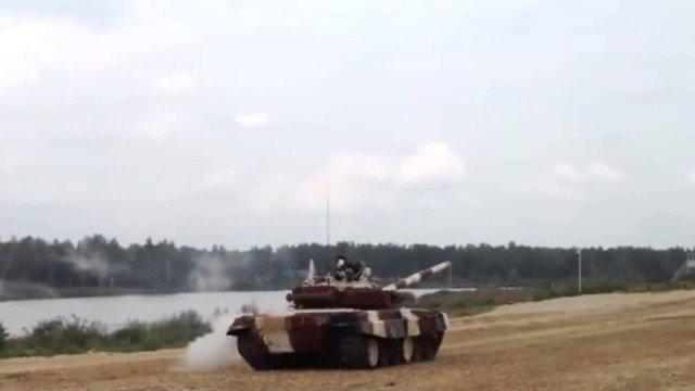 Kampfpanzer Überschlag