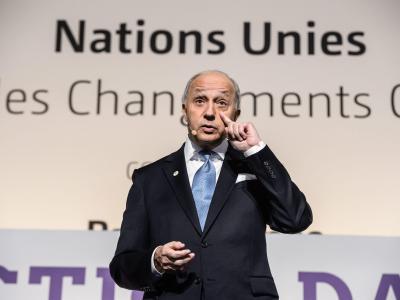 Frankreichs Außenminister Laurent Fabius während der Klimakonferenz in Paris. Foto: Christophe Petit Tesson