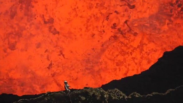Im Vulkankrater am Lavasee