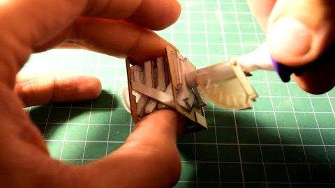 V8 Motor aus Papier gebastelt