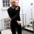 3 Zauberwürfel beim Jonglieren lösen – Cool!
