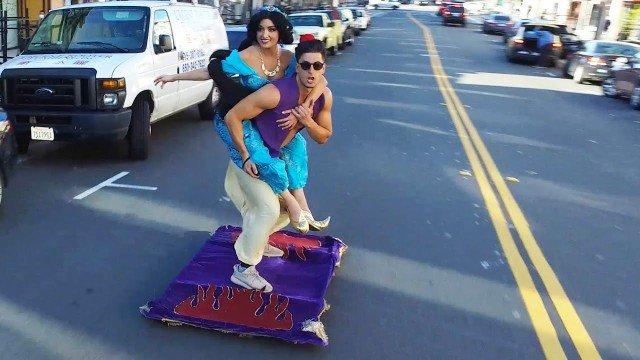 Aladdin ist in San Francisco unterwegs