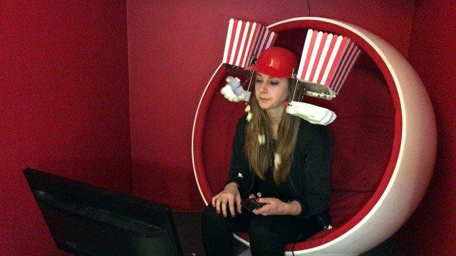 Simone Giertz's Popcorn Maschine